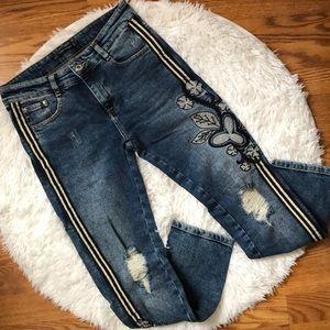Zara Women's Ankle Jeans